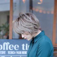 デート グレージュ 冬 フェミニン ヘアスタイルや髪型の写真・画像