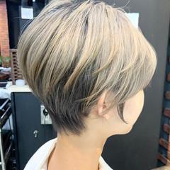 ショート ショートボブ 切りっぱなしボブ ショートヘア ヘアスタイルや髪型の写真・画像