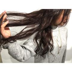 アッシュ ゆるふわ 外国人風 暗髪 ヘアスタイルや髪型の写真・画像