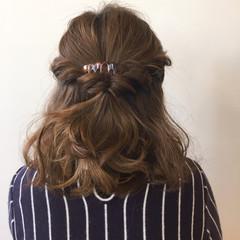 ゆるふわ ツイスト ミディアム ヘアアレンジ ヘアスタイルや髪型の写真・画像