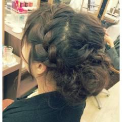 ルーズ ねじり 編み込み ヘアアレンジ ヘアスタイルや髪型の写真・画像