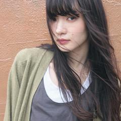 パーマ アッシュ ロング ナチュラル ヘアスタイルや髪型の写真・画像