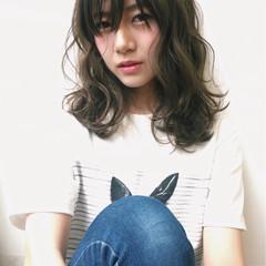 パーマ 前髪あり 艶髪 ニュアンス ヘアスタイルや髪型の写真・画像