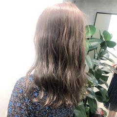 ミルクティーベージュ ミルクティーブラウン ミルクティー ハイトーンカラー ヘアスタイルや髪型の写真・画像