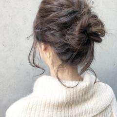お団子 後れ毛 ミディアム ヘアアレンジ ヘアスタイルや髪型の写真・画像