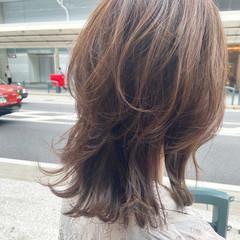 セミロング レイヤーカット ヌーディベージュ ミディアムレイヤー ヘアスタイルや髪型の写真・画像