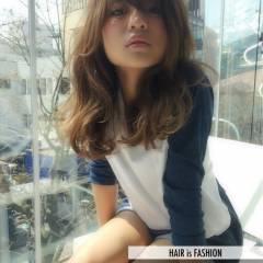 ナチュラル セミロング 渋谷系 愛され ヘアスタイルや髪型の写真・画像