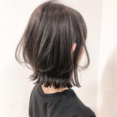 切りっぱなしボブ 透明感カラー レイヤーボブ ナチュラル ヘアスタイルや髪型の写真・画像