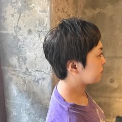 ショート ナチュラル グレー アッシュグレー ヘアスタイルや髪型の写真・画像