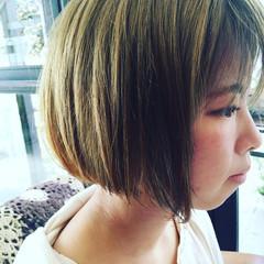 ストリート オリーブアッシュ ブリーチ ボブ ヘアスタイルや髪型の写真・画像