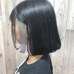 ダークグレー ネイビーアッシュ ショートボブ インナーカラー ヘアスタイルや髪型の写真・画像