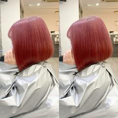 艶髪 前下がりボブ ベリーピンク ガーリー ヘアスタイルや髪型の写真・画像