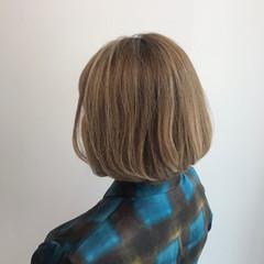 白髪染め 髪質改善カラー ボブ ハイトーンカラー ヘアスタイルや髪型の写真・画像