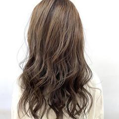 ナチュラル アッシュグレージュ 髪質改善 ロング ヘアスタイルや髪型の写真・画像