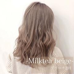 巻き髪 ヘアアレンジ ガーリー ミルクティーベージュ ヘアスタイルや髪型の写真・画像