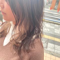 インナーカラー ミルクティーベージュ フェミニン ミルクティーグレージュ ヘアスタイルや髪型の写真・画像