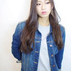 ウェーブ 外国人風 ストリート ロング ヘアスタイルや髪型の写真・画像