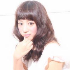 セミロング ハイライト 大人かわいい ガーリー ヘアスタイルや髪型の写真・画像