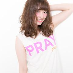 ヘアアレンジ ミディアム レイヤーカット 簡単 ヘアスタイルや髪型の写真・画像