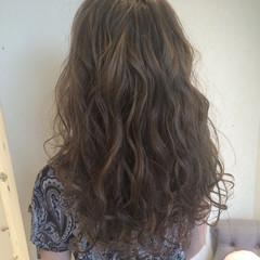 フェミニン アッシュグレージュ 外国人風 ガーリー ヘアスタイルや髪型の写真・画像