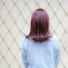 ミディアム 外ハネ ストリート ボブ ヘアスタイルや髪型の写真・画像