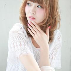 ピュア 大人かわいい ハイライト ミディアム ヘアスタイルや髪型の写真・画像