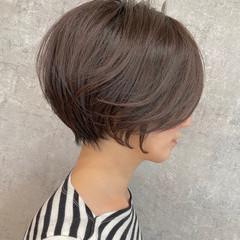 ショートボブ グレージュ ショート ハンサムショート ヘアスタイルや髪型の写真・画像