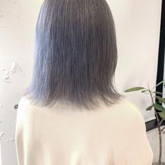 ウルフカット ナチュラル ミディアム ホワイトシルバー ヘアスタイルや髪型の写真・画像