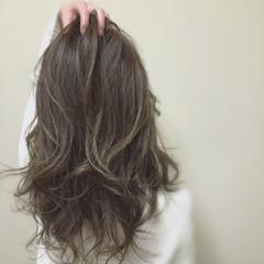 ロング ナチュラル イルミナカラー 外国人風 ヘアスタイルや髪型の写真・画像