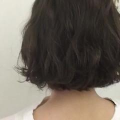 グレーアッシュ 暗髪 ボブ アッシュグレー ヘアスタイルや髪型の写真・画像