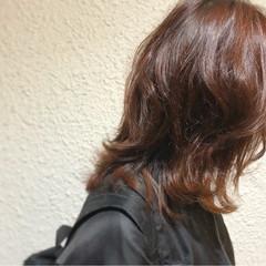 冬 外ハネ ラフ ミディアム ヘアスタイルや髪型の写真・画像