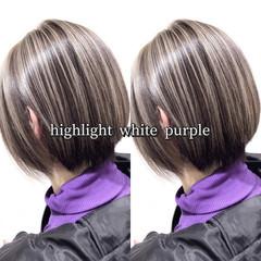 ホワイトハイライト ショート ヘアカラー ストリート ヘアスタイルや髪型の写真・画像