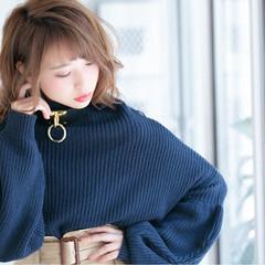 ウェーブ 冬 フェミニン ロブ ヘアスタイルや髪型の写真・画像