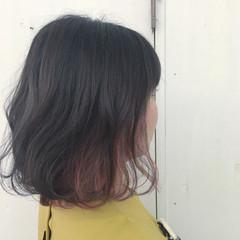 ダブルカラー ピンク ボブ ストリート ヘアスタイルや髪型の写真・画像