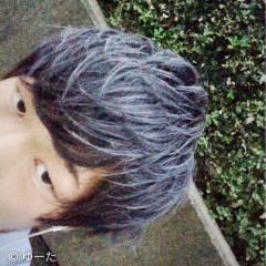 ストリート ミディアム セルフヘアアレンジ シルバーアッシュ ヘアスタイルや髪型の写真・画像