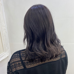 セミロング ラベンダーアッシュ モード ラベンダーカラー ヘアスタイルや髪型の写真・画像