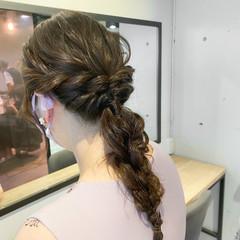 ヘアアレンジ セルフヘアアレンジ アッシュベージュ 簡単ヘアアレンジ ヘアスタイルや髪型の写真・画像