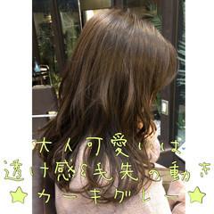 セミロング 女子ウケ 大人可愛い ゆるふわ ヘアスタイルや髪型の写真・画像