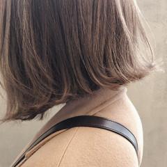 切りっぱなし アッシュ ミルクティー ブリーチ ヘアスタイルや髪型の写真・画像