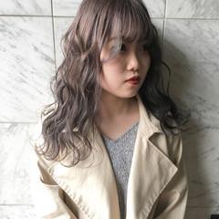 ミルクティーアッシュ ミルクティーベージュ 透明感カラー ロング ヘアスタイルや髪型の写真・画像
