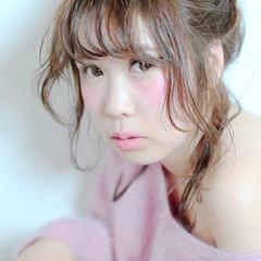 ミディアム おフェロ お団子 簡単ヘアアレンジ ヘアスタイルや髪型の写真・画像