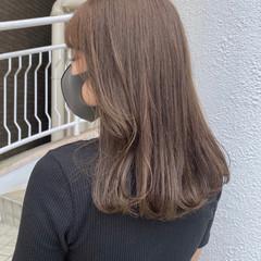 オリーブグレージュ ナチュラル イルミナカラー ミルクティーベージュ ヘアスタイルや髪型の写真・画像