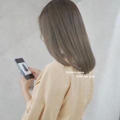 ロング ミルクティーグレージュ アッシュグレージュ ミルクティーグレー ヘアスタイルや髪型の写真・画像