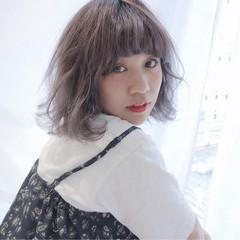 外国人風 ハイトーン ボブ ストリート ヘアスタイルや髪型の写真・画像