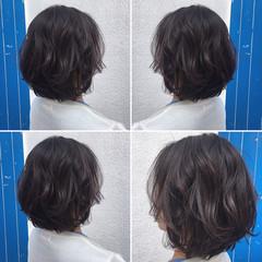リラックス ウェーブ アンニュイ ナチュラル ヘアスタイルや髪型の写真・画像