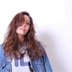 ハイライト かき上げ前髪 グラデーションカラー パーマ ヘアスタイルや髪型の写真・画像