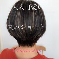 ショートヘア ハイライト 暗髪 透明感カラー ヘアスタイルや髪型の写真・画像