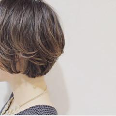 レイヤーカット 大人かわいい ナチュラル ハイライト ヘアスタイルや髪型の写真・画像