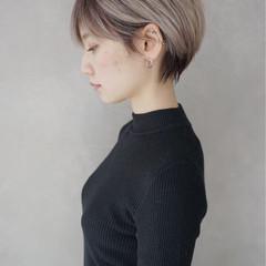 ミルクティー ナチュラル グレーアッシュ グレージュ ヘアスタイルや髪型の写真・画像