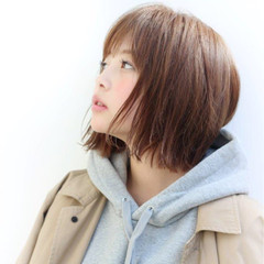 アッシュ 外ハネ 冬 色気 ヘアスタイルや髪型の写真・画像